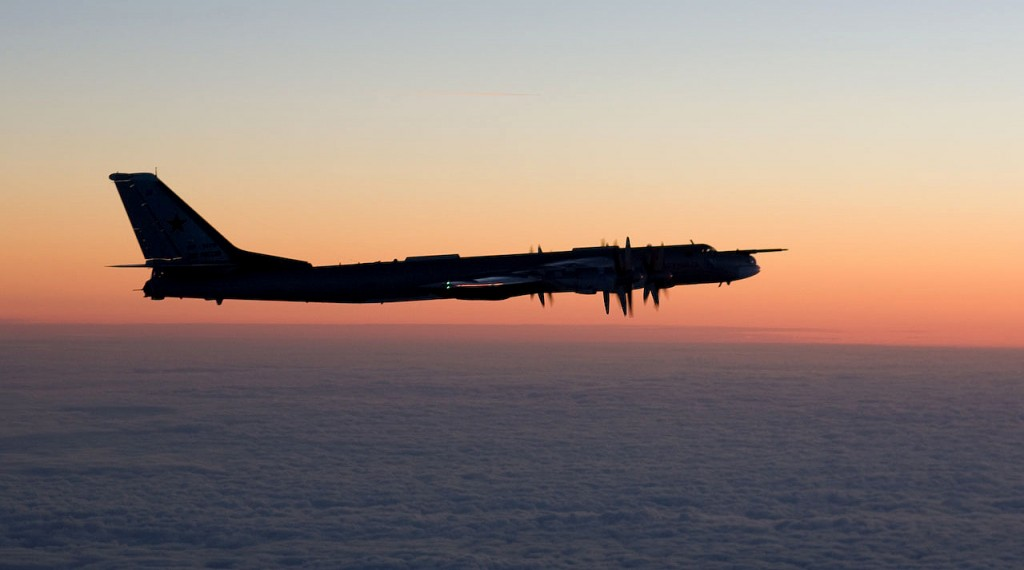 Tupolev+Tu-95+night