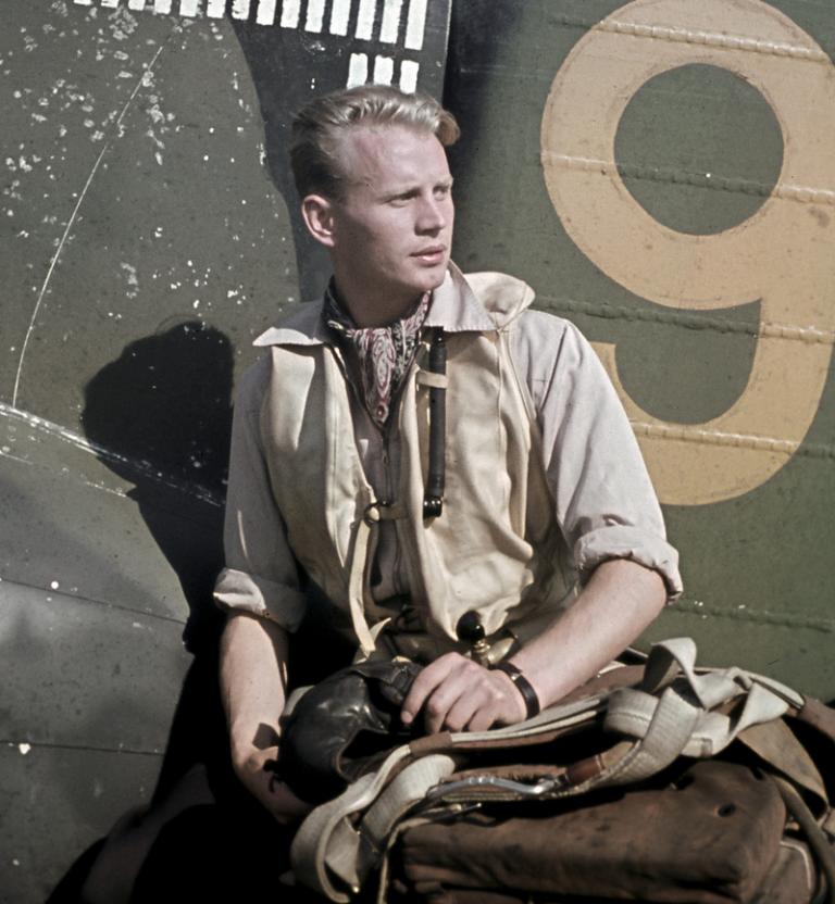 Hans_Henrik_Wind_in_Suulajärvi_1943