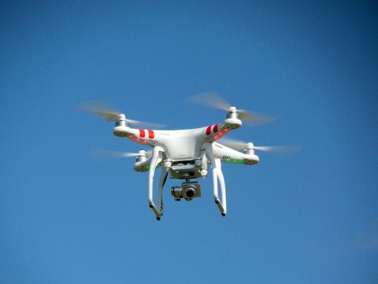 drone-407393_1280
