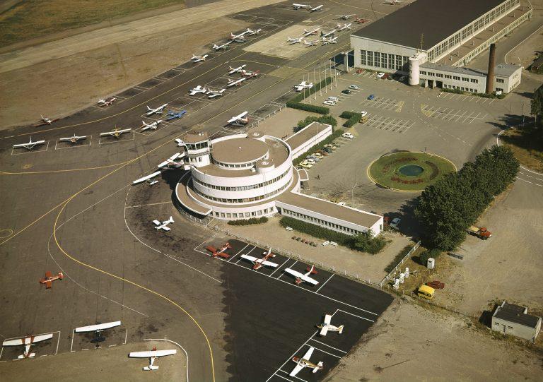 1972 . Malmi, Malmin lentokenttä.