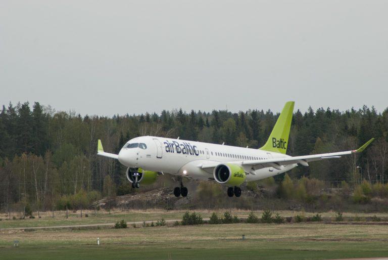 airbaltic-a220-300-kuva-jukka-parviainen