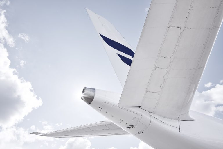 Finnair_A350_detail_Tail_from_Below